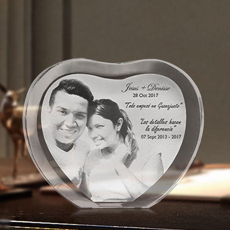 Forme de Coeur personnalisé Gravé Au Laser Cristal Photo Album De Mariage De La Famille Cadre Photo Pour la Saint Valentin Anniversaire Cadeaux