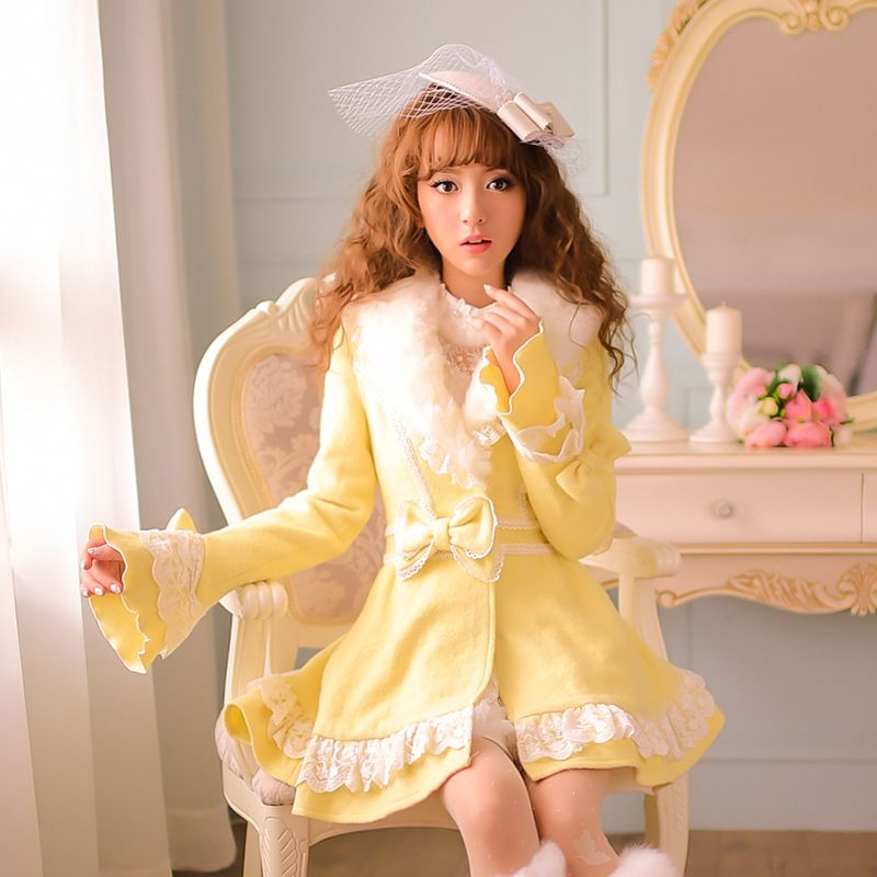 Princess sweet lolita coat Candy rain winter warm Japanese style new Furry collar The horn sleeve Woolen cloth coat C15CD5879