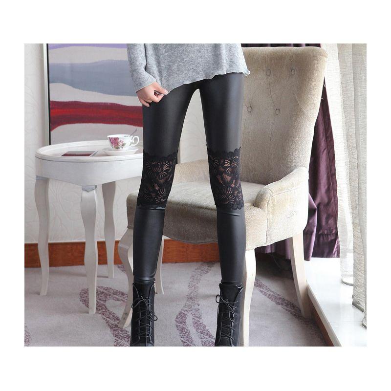 2018 nouveau faux cuir Leggings avec dentelle en gros femmes été sexy pantalon Skinny extensible pantalon noir automne et printemps