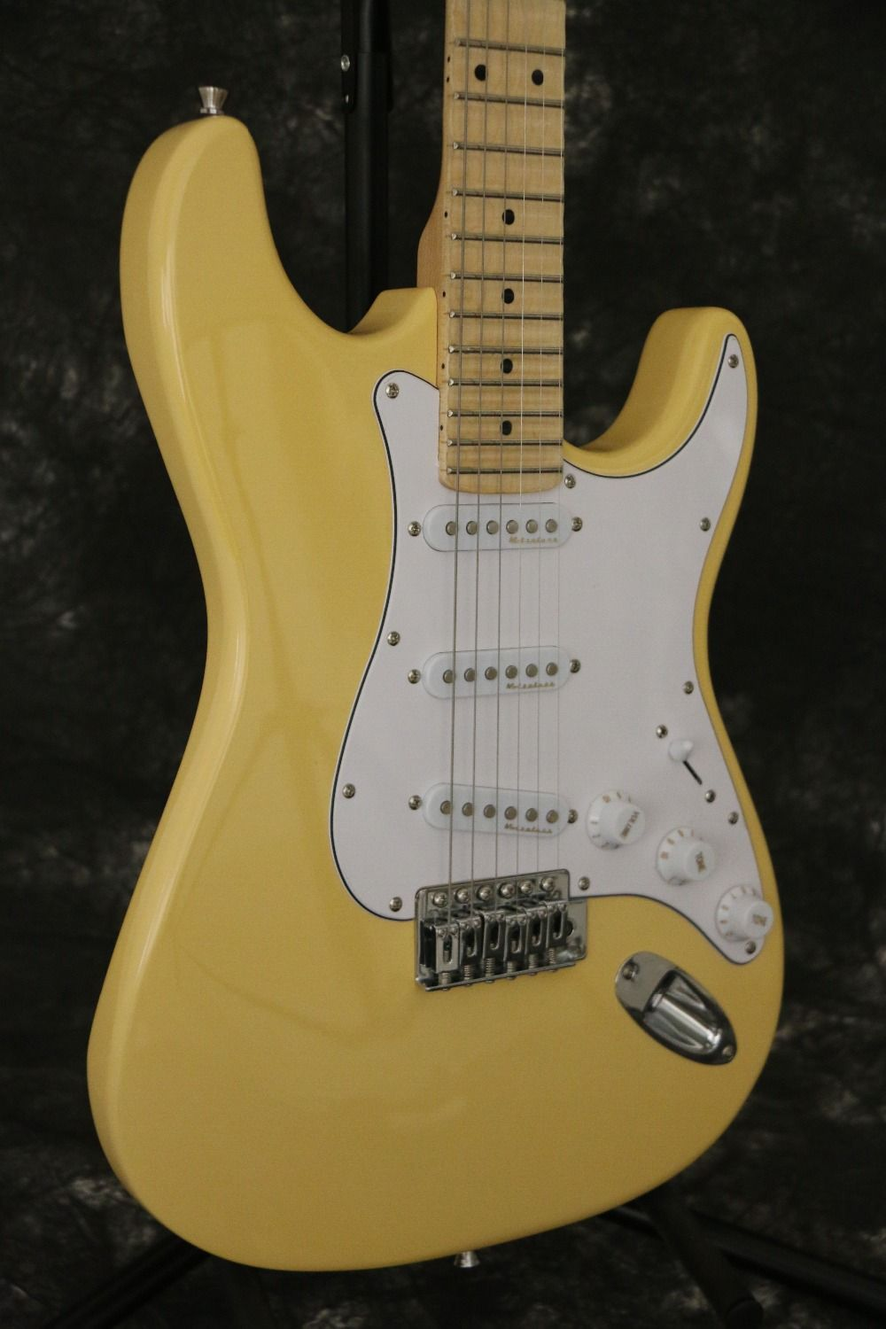 Hot sell good quality FD ST Yngwie Malmsteen electric guitar scalloped fingerboard bighead basswood body standard size