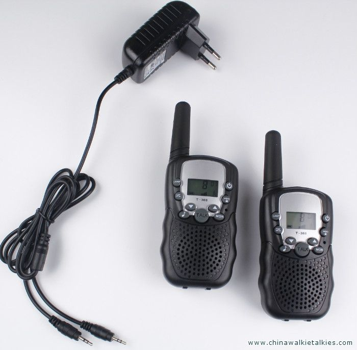 2 pcs talkie walkie T388 PMR446 mobile radio communicateur VOX FRS/GMRS radios talkie-walkie led lampe de poche + UE ou chargeur US plug
