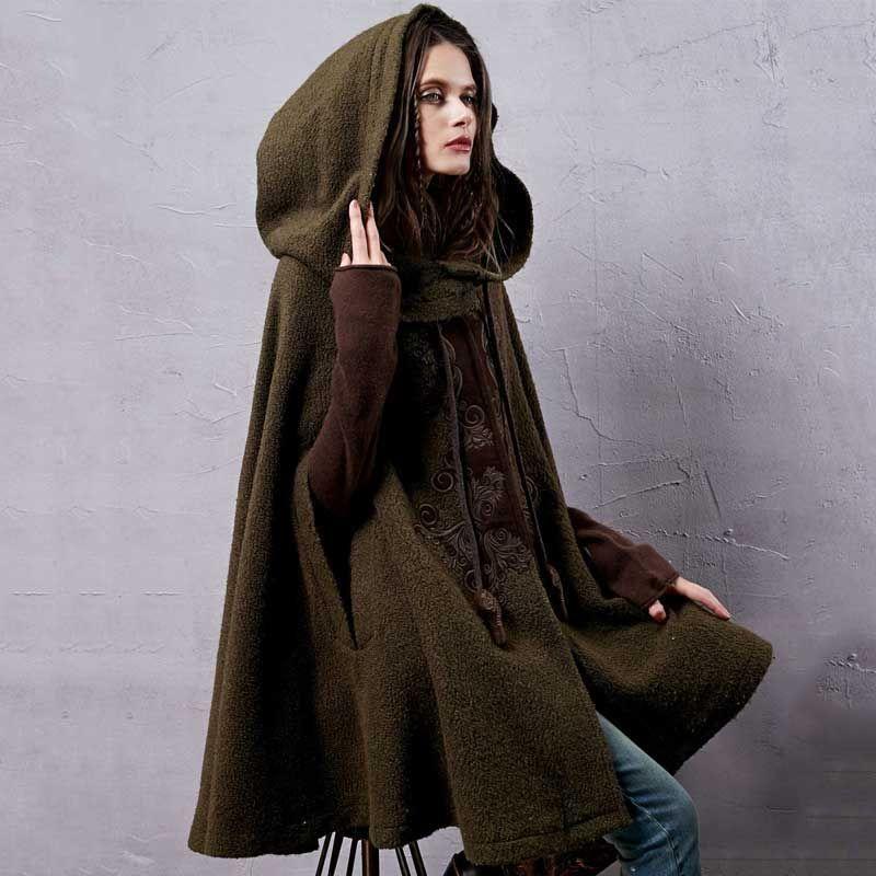 ARTKA frauen Winter Neue Vintage Warm Woolen Hoodie Mantel Mantel Stickte Drop-Schulter Hülse Wolle Kap Oberbekleidung WA10220D
