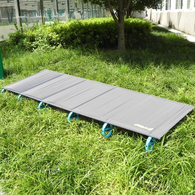 2017 Hot SALE Camping Mat Ultralight Sturdy Comfortable Portable Folding Tent Bed Cot Sleeping Outdoor Camp bed Aluminium Frame