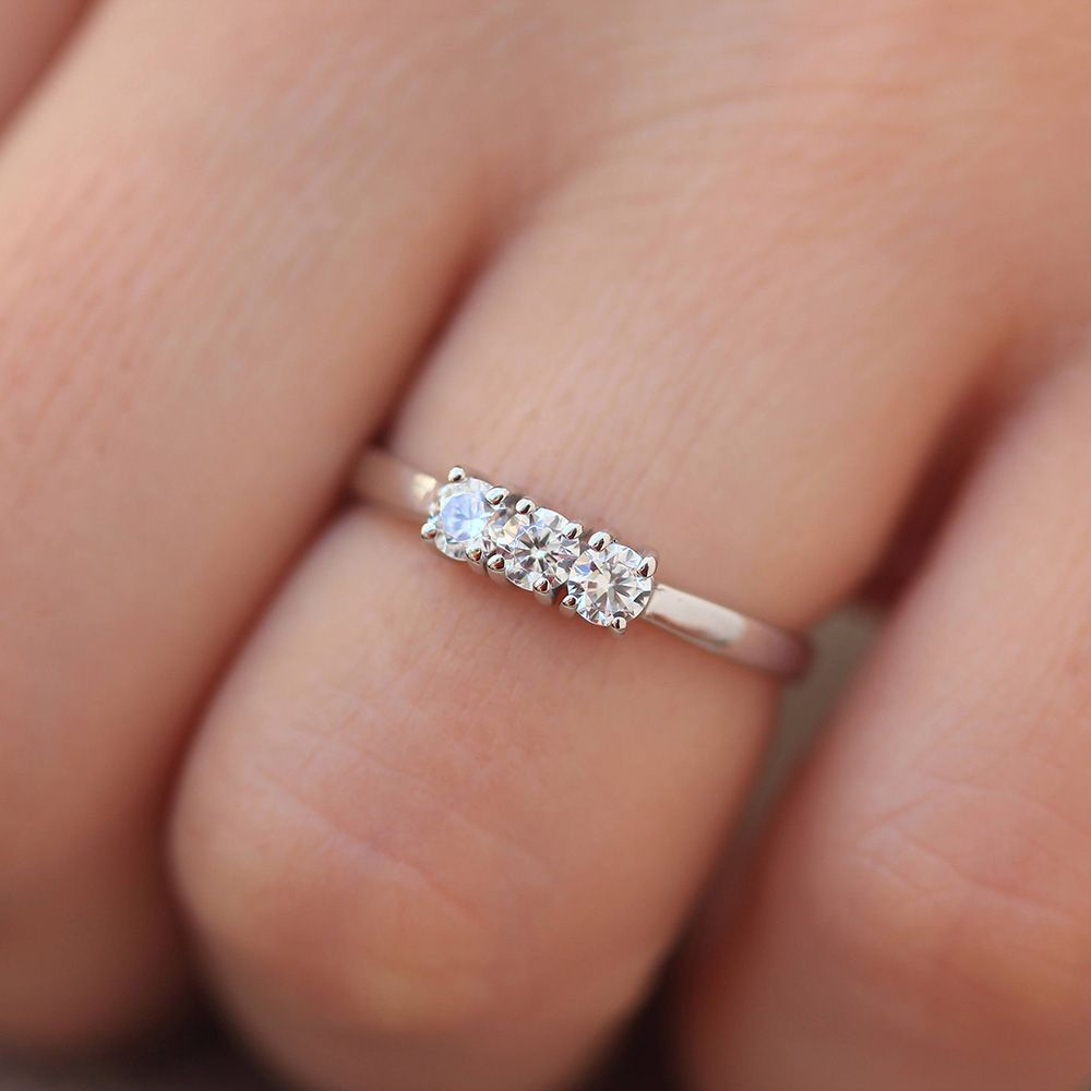 Round Cut 0.6ctw 3.5mm F color Lab Grown Moissanites Diamond Engagement Ring Wedding Band in 14K White Gold 4 Prong For Women