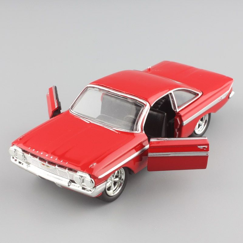 1/32 Scale Jada F8 Fast & Furious Dom's 1961 Chevrolet Chevy IMPALA Hardtop Sport Coupe diecast metal cars models toys for child