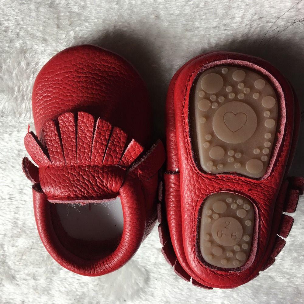Vente chaude solide en cuir véritable bébé filles garçons bambin mocassins à la main en caoutchouc souple bas premiers marcheurs frange berceau chaussures