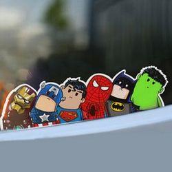 Nueva llegada de The Avengers torcido cuello etiqueta engomada del coche de dibujos animados coche reflexivo que labra la etiqueta del coche de la motocicleta Accesorios