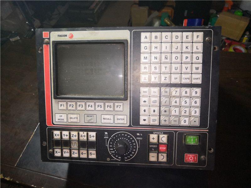 FAGOR CNC 8025 GP-l verwendet in gute zustand können normalen arbeits