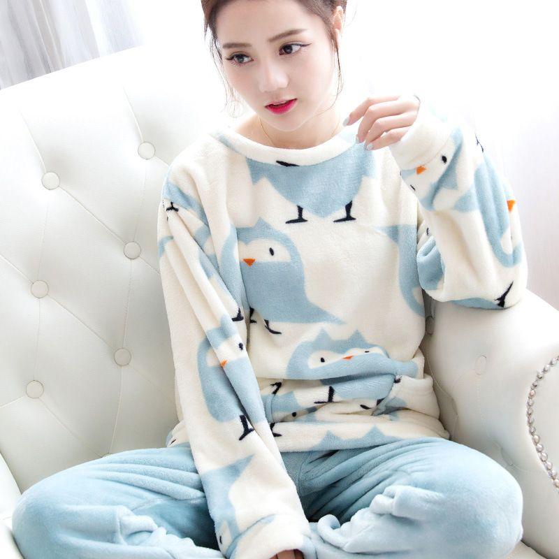 Automne et Hiver Femmes Pyjamas Ensembles Chaud Épais Velours Corail Costume Flanelle À Manches Longues Ours De Bande Dessinée Féminine Animal Pantalon de Nuit