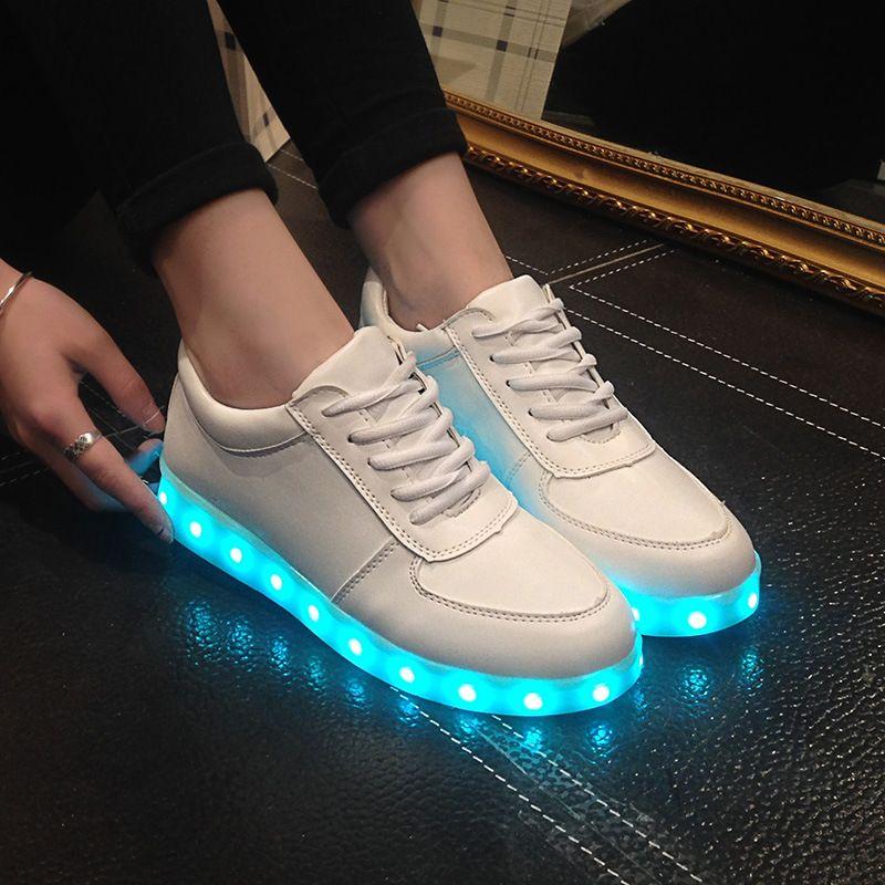 Haute Qualité Eur Taille 27-42 7 Couleurs Kid Baskets Lumineuses Lumineux USB Charge Garçons LED Chaussures Filles Chaussures LED Pantoufles Blanc