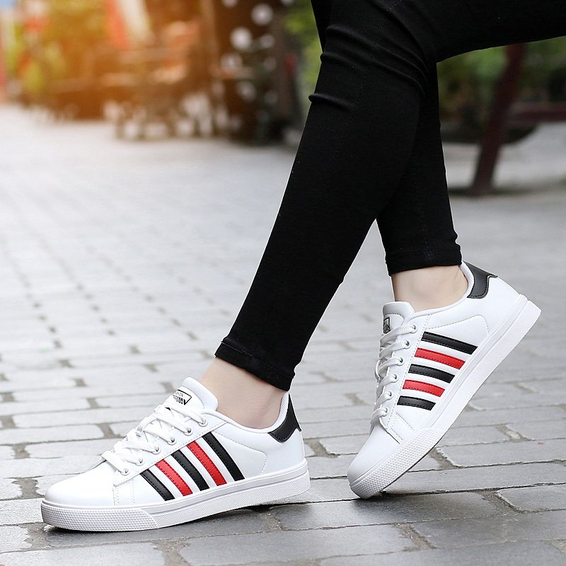 New high-quality student shoes  soft and comfortable outdoor walking wear Lace-up Lovers sport Plates Shoes women&men