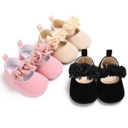 2018 nouveau mignon bébé nouveau-né enfants chaussures bébé poussette bébé semelles souples chaussures enfants de porter non-slip fleur chaussures 0-18 M