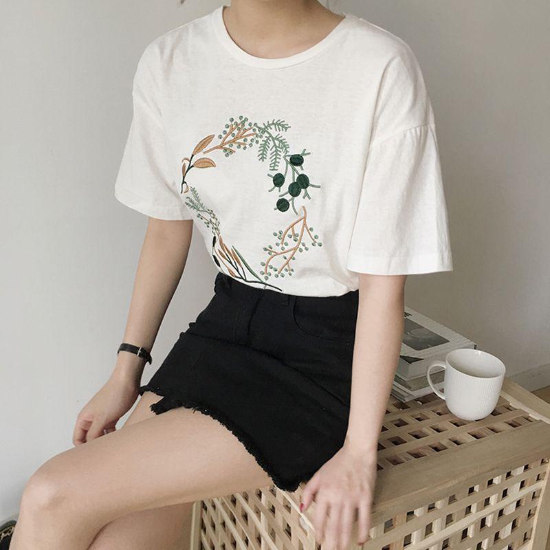 2019 Été Petit Frais t-shirt brodé Femmes Coréenne Harajuku courtes manches tricot hauts Femme décontracté T Chemises