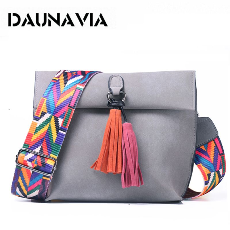 DAUNAVIA Marque Femmes sac de messager sac en bandoulière pompons sacs à bandoulière Femme sac à main de créateur sacs pour femmes avec bracelet coloré