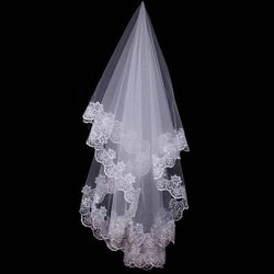Hot Wedding Accessories Short Wedding Veil White Ivory One Layer Bridal Veil Appliques Lace Edge