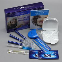 Dientes blanqueamiento Kit con 4 Gel 2 tiras 1 Luz 1 caja blanqueador de dientes blanqueador blanco brillante 3D higiene Oral cuidado Dental Blanqueador