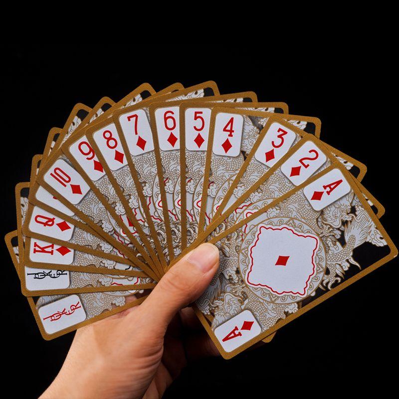 Imperméable à l'eau Transparente Pvc Poker Or Bord Cartes À Jouer Carte Dragon Nouveauté De Haute Qualité Collection Jeu Cadeau Durable
