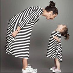 Busana ibu dan anak pasangan melihat keluarga stripe pencocokan pakaian Bayi Perempuan pakaian gaun ibu putri Anak gaun pakaian