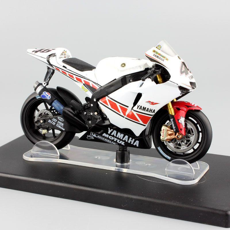 1:18 scale No.46 Valentino Rossi MotoGP Yamaha YZR-M1 Valencia 2005 motorbike motorcycle diecast Replica car toys model vehicles