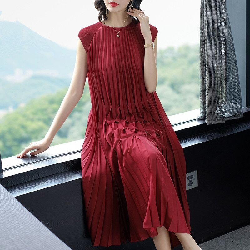 Changpleat 2018 summer women large size dress Miyak Pleated Fashion Design Loose Solid Red wine Female Dresses Plus Size Tide