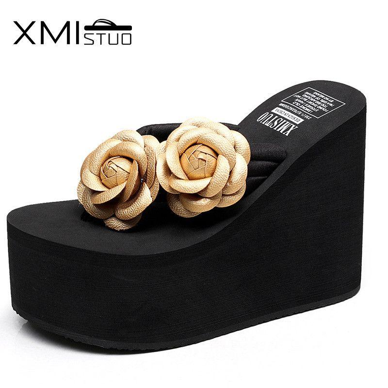 XMISTUO a augmenté la pente de glissement de tongs de talon haut de fleurs faites main de mode de 12 cm avec les sandales épaisses de plage de pincement de femme coréenne