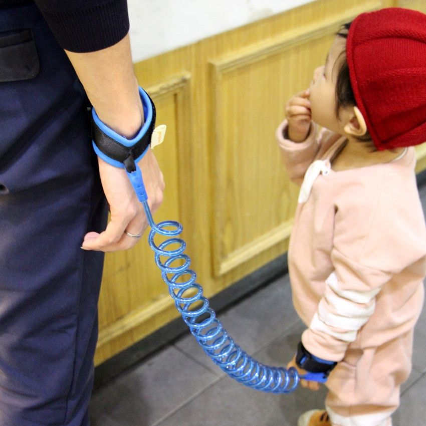 Baby pediatric walk traction anti-lost child protection safe wrist connection with a comfortable not hurt baby skin