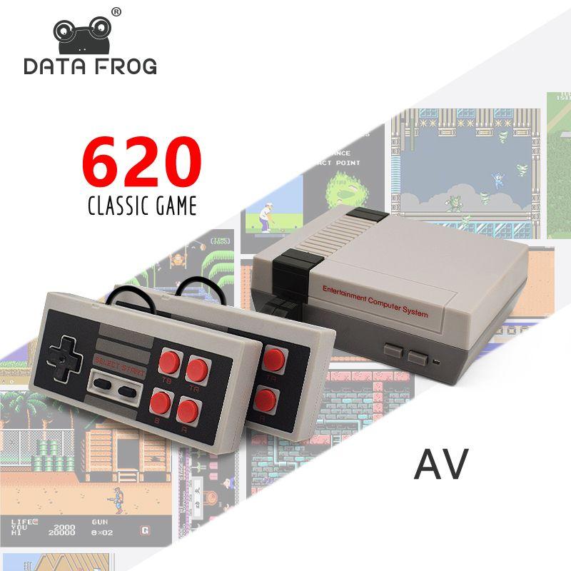 DATA FROG Mini Console de jeu TV 8 bits Console de jeu vidéo rétro intégré 620 jeux lecteur de jeu portable meilleur cadeau