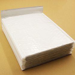 10 pcs 20*24 cm Perle Blanc Utilisable Espace Poly Bubble Mailer Enveloppes Postale Matelassée Sac Auto-Étanche Anti -pression Anti-statique