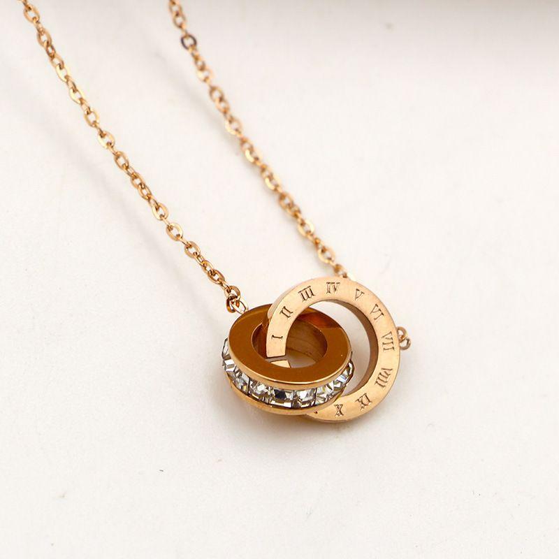 Tyme acier inoxydable rome forage carré court collier pendentif femme coréenne mode titanium or rose couleur collier pendentif