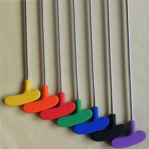 10 pièces par lot de haute qualité en acier arbre coloré poignée en caoutchouc tête enfants mini golf putter