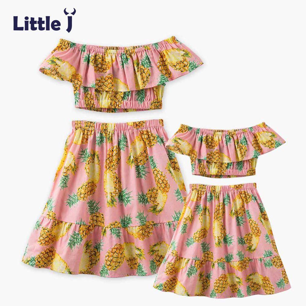 Маленькие J с принтом ананаса платья для мамы и дочки одежда с открытыми плечами Топы + юбка набор живота мамы Обувь для девочек платье Семья ...