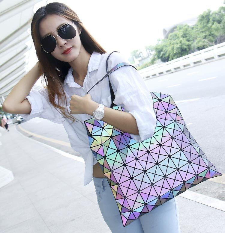 2019 Hot Luminous Bag Women's Geometry shoulder Messenger bag Hologram Laser Noctilucent bag Free Shipping 8*8 Free Shipping