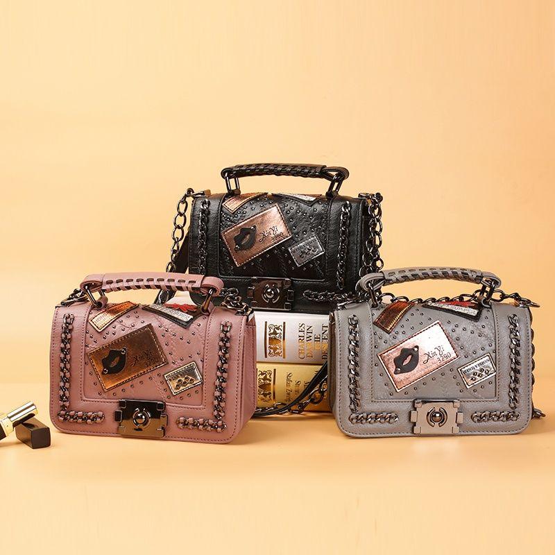 Women Chains Messenger Bags 2017 New Vintage Bag Ladies <font><b>Famous</b></font> Brand Crossbody Bag For Women Rivet Small Handbags Shoulder Bags