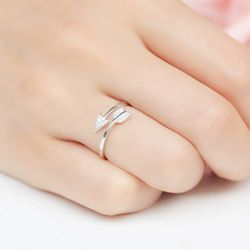 Lnrrabc 1PC Baru DROP Shipping Paduan Panah Kristal Wanita Bebas Alergi Cincin Hot Sale Terbuka Sagitarius 3 Warna Yang Dapat Disesuaikan cincin