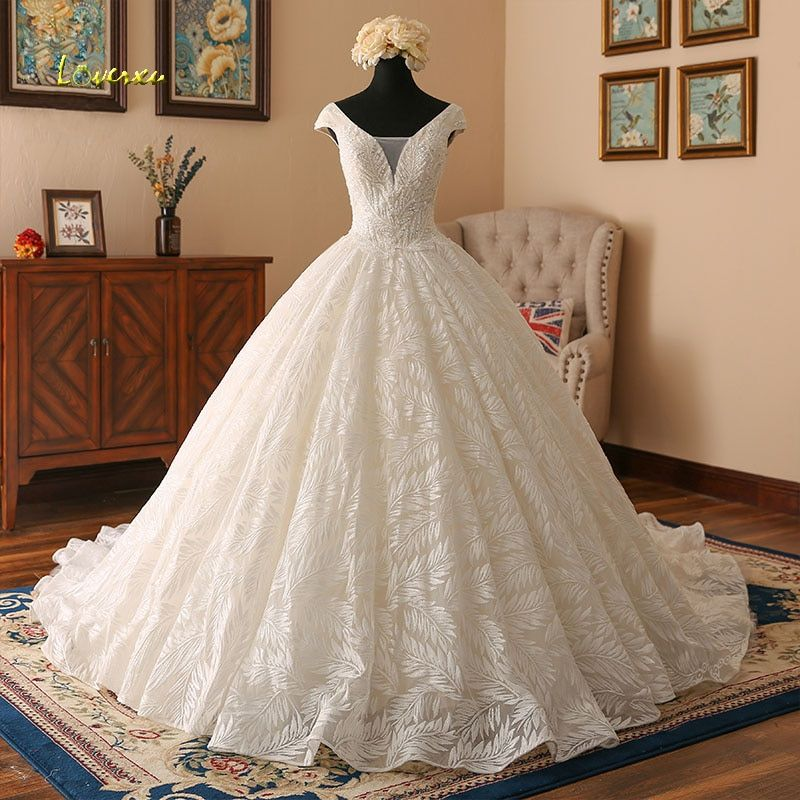 Loverxu Vestido De Noiva V Neck Lace Ball Gown Wedding Dresses 2018 Cap Sleeve Embroidery Beaded Vintage Bridal Gown Plus Size
