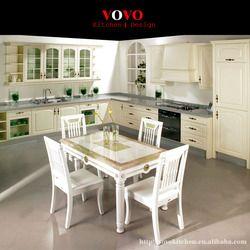Французский кухонный шкаф в белого цвета