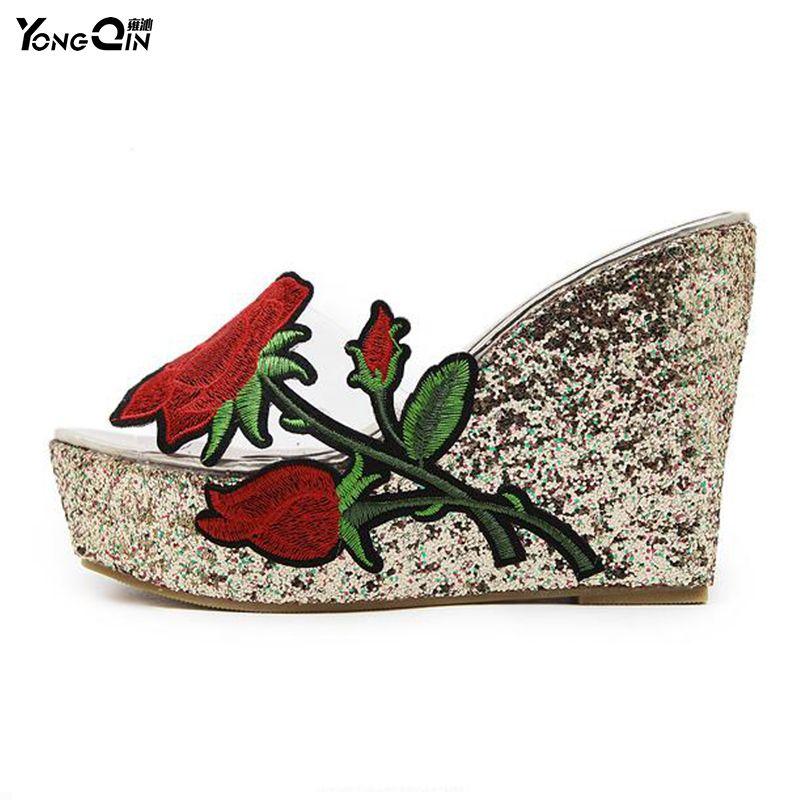 Nouveau Rose femmes sandales 2017 mode sandales transparentes talons hauts pompes chaussures compensées croûte épaisse Muffin pantoufles chaussures