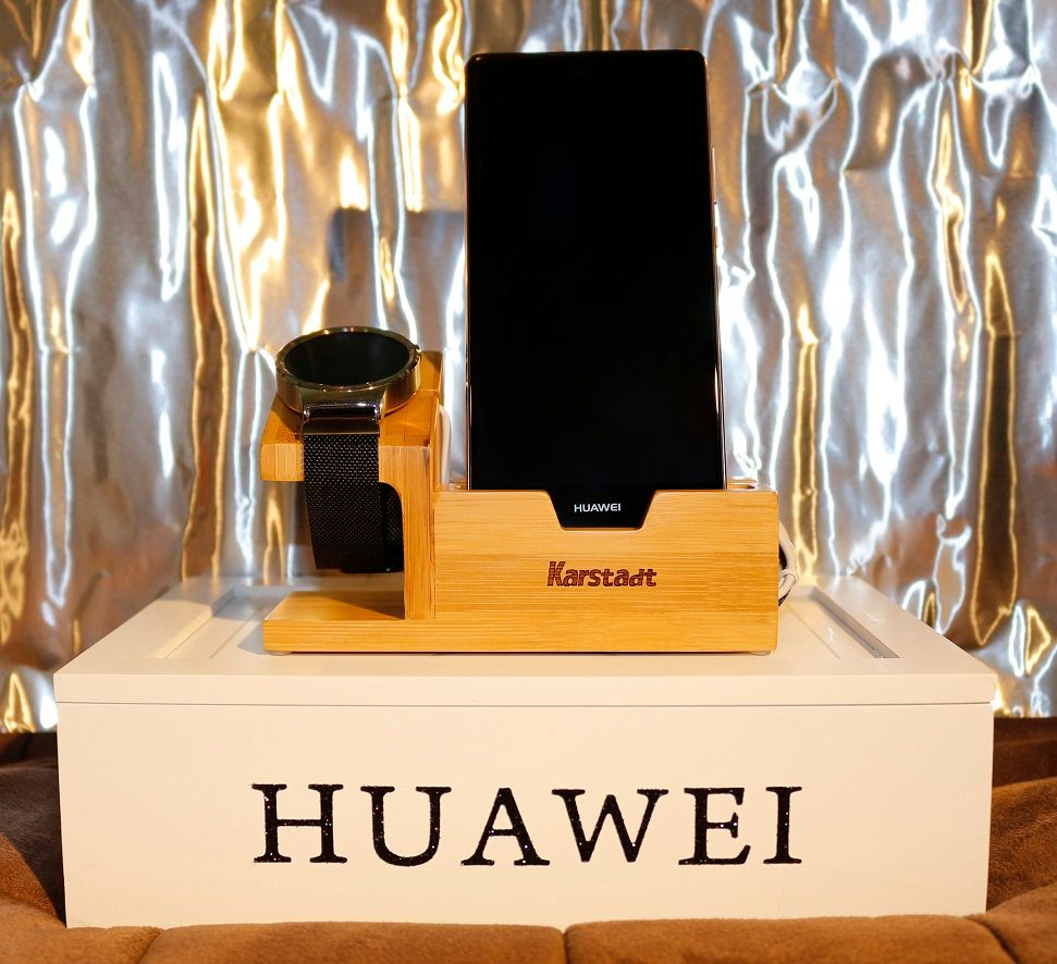 For Apple Watch/For Huawei Watch Charging Dock Wooden Bamboo Stand Phone Holder For IPhone 7 6 6S Plus/A8 A5 Neo With Card Slot