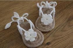 Gratis Pengiriman, Crochet Bayi Flip Flop Sandal Bayi Musim Panas Sandal crochet Bayi Sandal dengan Sedikit Puff Bunga Size9cm, 10 Cm, 11 Cm
