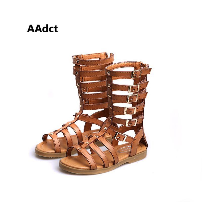 2017 été Nouveau Mode haute Rome filles sandales uniques molles petites enfants sandales chaussures à bout Ouvert creux princesse enfants sandales
