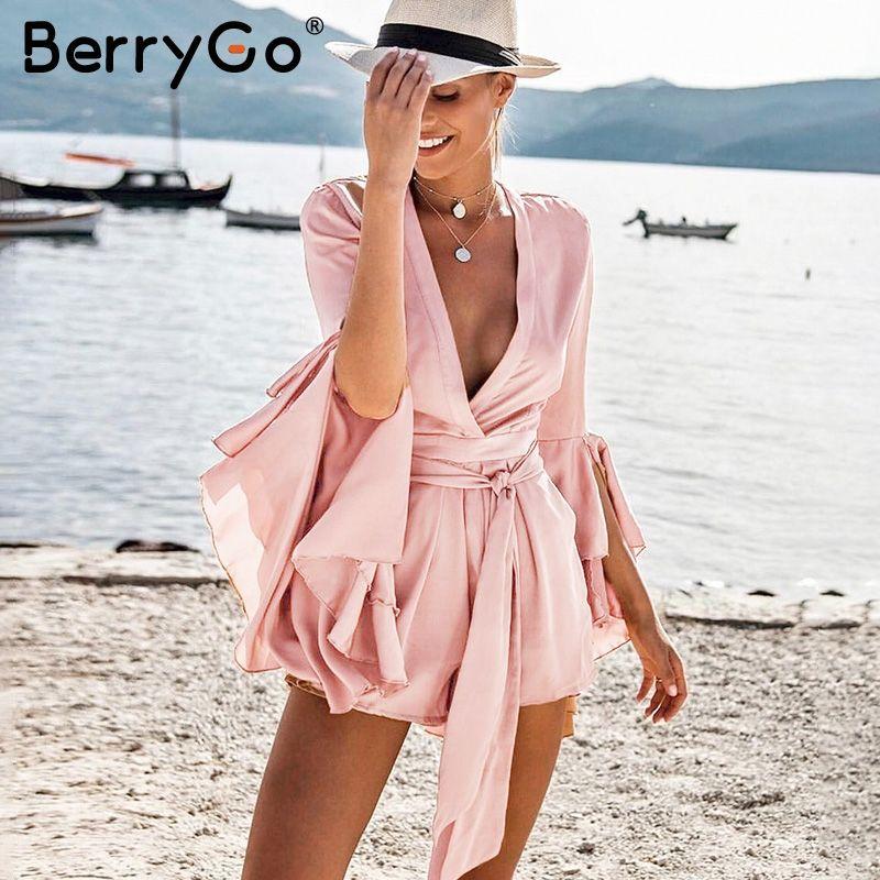 Berrygo Sexy V шеи Flare Длинные рукава Playsuit Высокая талия связать плиссированной атласной короткий комбинезон 2018 лето женщины комбинезон