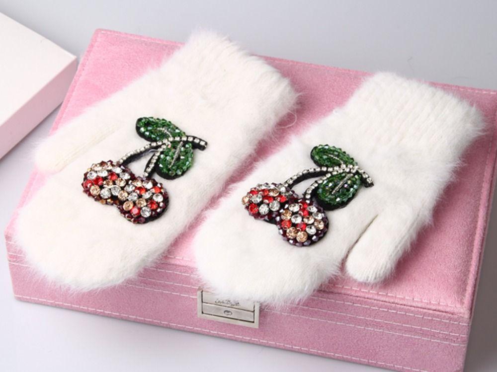 2017 Winter Gloves Luxury Crystal Cherry decoration Rabbit fur gloves For Woman winter gloves girls Mittens