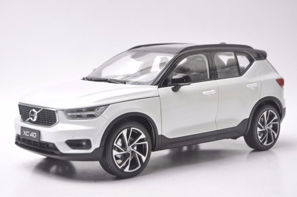 1:18 Diecast Model for Volvo XC40 2018 White SUV Alloy Toy Car Miniature Collection Gifts XC 40