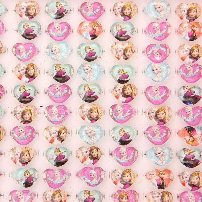 Gros Lots de mélange 100 pièces beaux enfants/sortes Lucite résine princesse jolis anneaux en forme de coeur de mariage