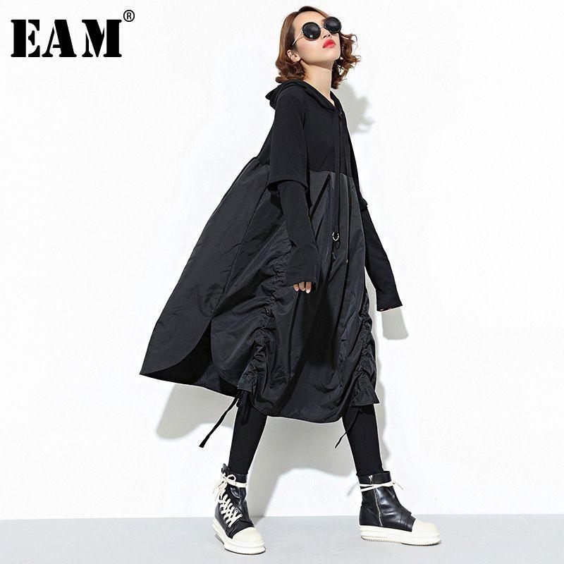 [EAM] 2018 Nouvelle Automne À Capuche Manches Longues Cordon Noir Fold Commune Fendue Lâche Longue Robe Femmes De Mode Marée JD07601