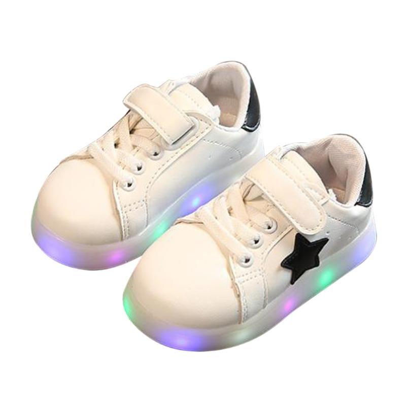 Niños casual Zapatos con luz LED primavera otoño Cartoon Niños Niñas flash sneakers niños luminoso deporte Zapatos
