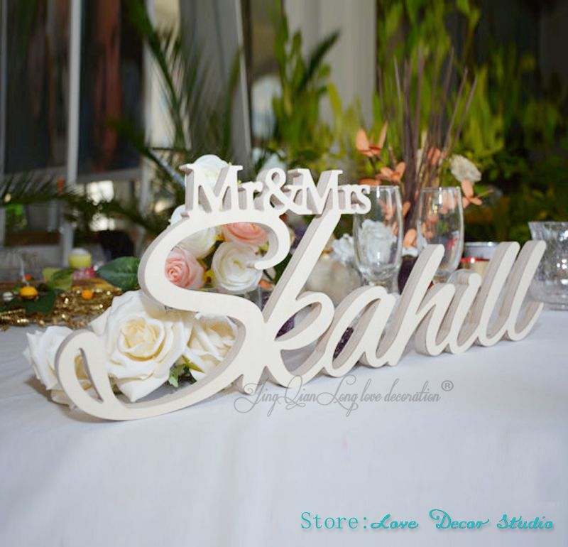 Custom large size Mr & Mrs With Last Name- Mr and Mrs Last Name Table Sign- Personalized Wedding Sign Mr and Mrs sign
