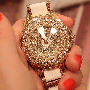 Ms hot style of high-grade ceramic diamond watches Costly diamond table Full drill market women watch