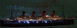 Titanic Model Kit Bangunan Perakitan Model Kapal Plastik Dengan Motor Listrik Pencahayaan Perangkat Tit 1:550 Listrik Gratis Pengiriman