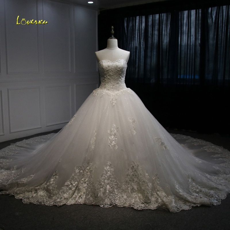 Loverxu Vestido De Noiva Sexy Strapless Vintage Wedding Dresses 2018 Royal Train Beaded Pearls A Line Lace Bridal Gown Plus Size